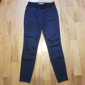 Free People pull on blue jean jeggings size 26